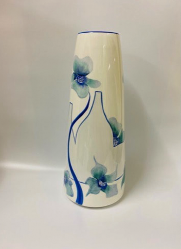 Potteries and poppies vase (blue)